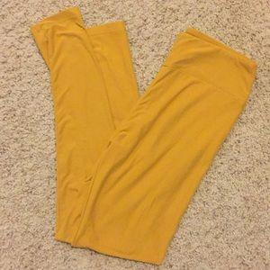 LuLaRoe Pants - LulaRoe Mustard leggings, Never worn!